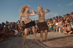 Dans Kzlar (nedimguler) Tags: deniz kum dans gne yamur plaj yalova narck tebessm