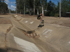 Ainslie Drain Middle - Hackett - 2 (@ablekay47) Tags: brad ditch drain skate skateboard canberra middle ainslie hackett
