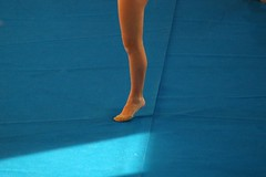 Mono-leg & strip of light (ssq oln qp giulio bassi) Tags: blue girls favorite woman colour girl beautiful sport angel wonderful photography photo donna interestingness nice interesting nikon women pix italia colore foto photographer shot blu great contest fine carina best explore photograph gymnast 100views donne bella fotografia caughtintheact capture interessante ragazza fotografo bello scatto ragazze bellissima bellissimo carino ginnastica migliore gorgeus meglio 10faves interphoto artlibre giuliobassi