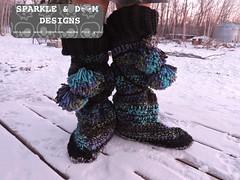 LuckyWandererBoots04c (zreekee) Tags: crochet sparkledoomdesigns luckywandererboots drops slippers mukluks