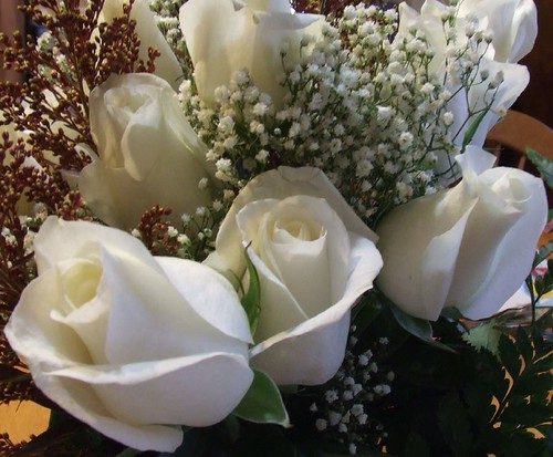 White roses bouquet by Andrea_R.