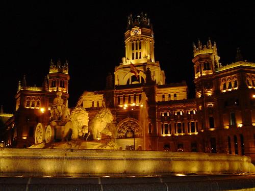 Madrid - Palacio de Comunicaciones y fuente La Cibeles