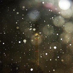 Snowflakes (_ Krystian PHOTOSynthesis (wild-thriving) _) Tags: snow berlin art water night square snowflakes wasser nightlights nacht kunst 2006 quad h2o asparagus squareformat fernsehturm pure krystian televisiontower quadrat photosynthesis photophilosophy photosynthese