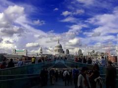 Milenium Bridge and St Paul Cathedral (Fuzita) Tags: uk inglaterra bridge england london clouds puente cathedral unitedkingdom catedral stpaul ciudad explore nubes londres mileniumbridge ltytr1