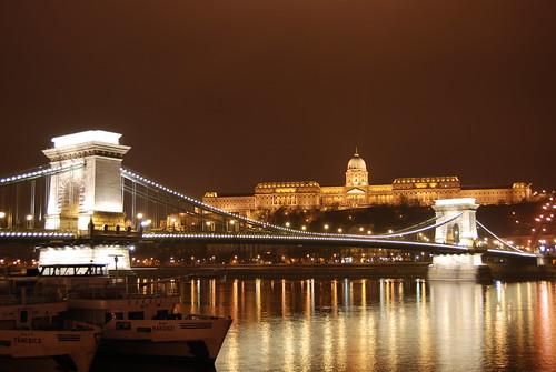 בודפשט, גשר השרשרות והארמון