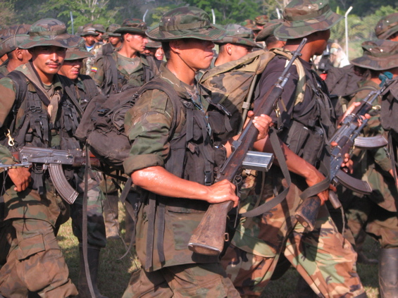 Colombian Paramilitaries Demobilizing