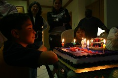 IMG_0922 (Michellene) Tags: birthday pool cake swim spiderman jumper spa troi troibirthdayparty2006