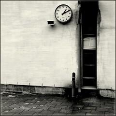 1:11 (Olli Keklinen) Tags: school blackandwhite bw white clock window wall yard photoshop suomi finland square helsinki nikon time 100v10f 111 d200 blaster 2007 schoolyard p1f1 ok6 20070108 ollik alarecherchedutempperdu