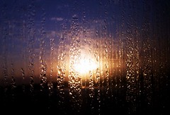 Sunrise behind the window - by Gustavo (lu7frb)