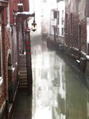 Resplandor (Mnica Co) Tags: venice light italy reflection luz photoshop canal agua italia reflejo venecia difuso resplandor mnicaco