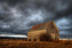 Chance (iJohn) Tags: light sunset tag3 taggedout barn rural golden tag2 tag1 novascotia ominous magichour darkclouds darksky goldenlight impressedbeauty