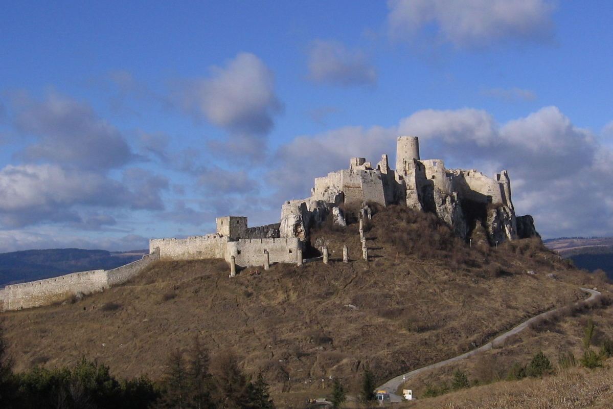 This is the Spissky Hrad castle, built in 12 century. The castle is frequently used as a location for films, including Dragonheart (1996), Phoenix, Kull the Conqueror, The Lion in Winter, The Last Legion.