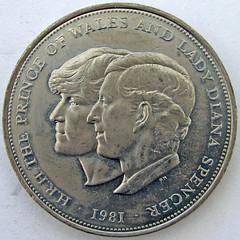 commemorative coin (Leo Reynolds) Tags: canon is coin powershot squaredcircle s3 f8 6mm 10up3 0ev 004sec hpexif sqrandom 25000th xsquarex groupcoins sqset016 xleol30x xxx2007xxx xratio1x1x