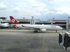 Turkish Airlines Airbus A330-200 (Debarka Banik) Tags: geotagged thailand bangkok august 2006 siam a330 bkk thy tk donmuang 332 krungthepmahanakhon a330200 dmk krungthep a332 turkishairlines vtbd