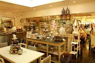 F.O.B COOP Hiroo/フォブ・コープ 広尾本店