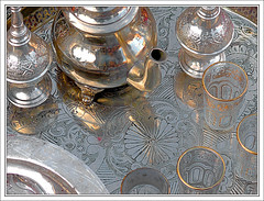 Tiempo para un te - Time for a tea (jose_miguel) Tags: españa miguel metal spain bravo searchthebest tea quality jose morocco maroc marrakech marrakesh te marruecos soe elegance supershot magicdonkey interestingness54 outstandingshots marraquech abigfave specobject artlibre explore54 panasoniclumixfz50 anawesomeshot colorphotoaward impressedbeauty 200750plusfaves irresistiblebeauty bratanesque magicdonkeysbest