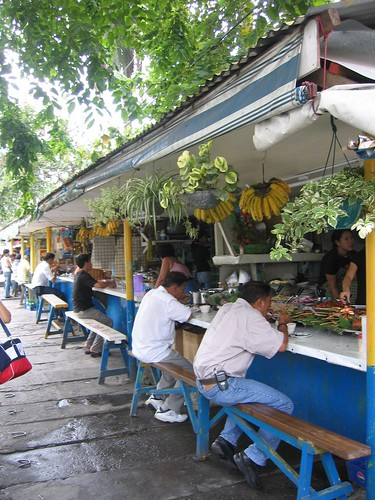 Quezon City, Manila eatery turo-turo resto sidewalk street eating  Buhay Pinoy Philippines Filipino Pilipino  people pictures photos life Philippinen  菲律宾  菲律賓  필리핀(공화국) food