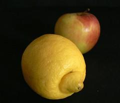 Vitamins (riesling_76) Tags: apple fruit lemon apfel obst zitrone