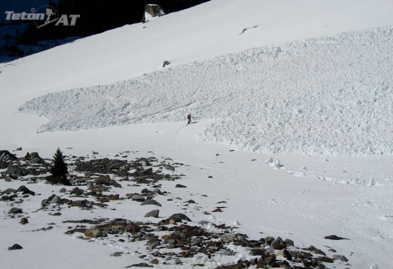 Avalanche crosses our tracks from the day before