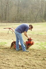 Rob fixing Tiller 031007 web