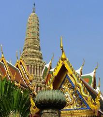 Temple of the Emerald Buddha (Nancie (Ladyexpat)) Tags: architecture thailand temple southeastasia bangkok asianarchitecture nanciemckinnon travelerphotos ladyexpat lparch