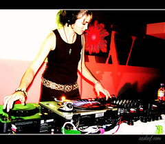 djBeka ~ (Webgrrl.Biz) Tags: earthcoretwoup2005 melbourne australia djbeka grrlsofdoof girl woman female girls ozdoofcom psytrance djs music producers dance event party psydjs