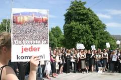 IMG_7132 (quox | xonb) Tags: germany demo europe stuttgart gegenstudiengebhren protest stadtmitte streik freitag jubeldemo prodemo