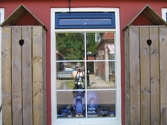 Schier (MaureenduLong) Tags: schiermonnikoog island waddeneiland retteketet shop