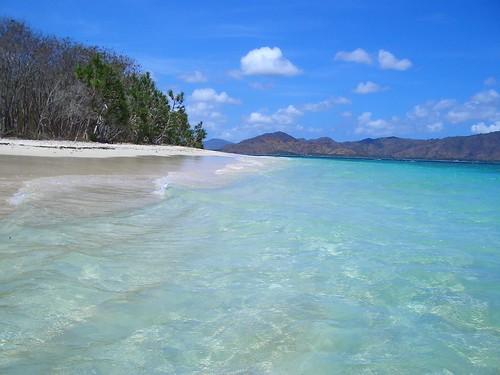 the beautiful water of Gili Nanggu