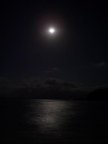 Gili Nanggu at night