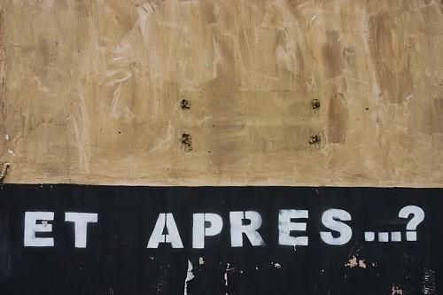 """stencil graffiti: """"Et Apres...?"""""""