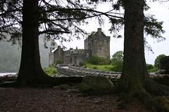 Eilean Donan Castle (itmpa) Tags: slr tourism rain canon scotland 300d canon300d renovation tartan eileandonancastle shortbreadtin tomparnell itmpa archhist