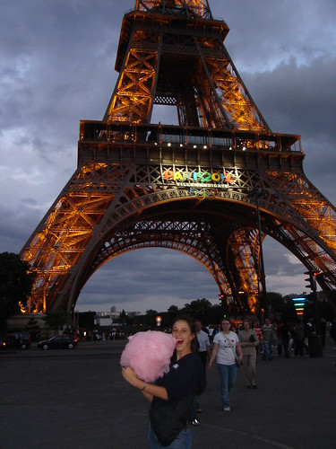Cotten Candy in front of the Eiffel Tower
