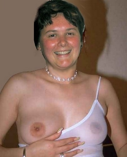 Carine topless