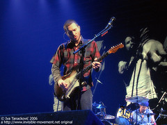 John Frusciante in Vienna (Iva Tanackovi) Tags: vienna wien concert emotion guitar concerts emotions guitarists rhcp stadthalle redhotchilipeppers guitarist guitarplayer frusciante johnfrusciante guitarplayers cotcbestof2006 viennastadthalle lastfm:event=26600