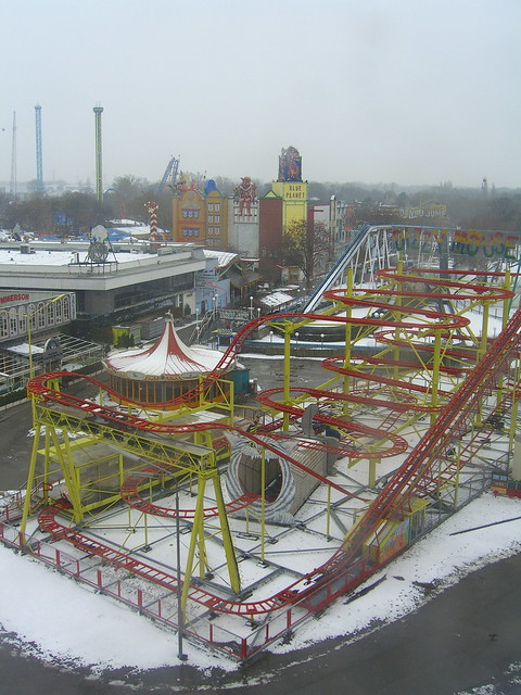 Vienna Amusement Park offseason by permanently scatterbrained