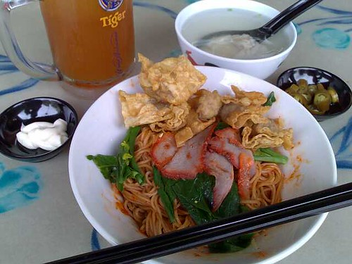 S$3 Wanton Mee featuring extra fried wontons