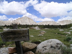 Cottonwood Lakes Sign (mateo_shook81) Tags: backpacking easternsierras cottonwoodlakes mateoshook81