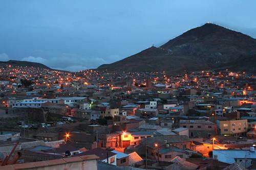 Potosí con el Cerro Pico al fondo