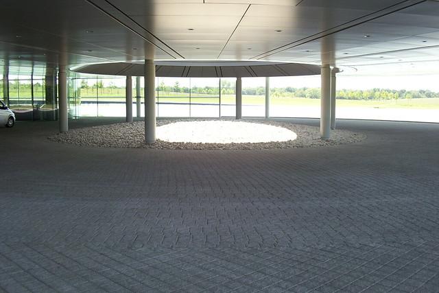 McLaren Technology Centre 039