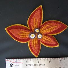 flower brooch (cindyetta) Tags: goodness felty