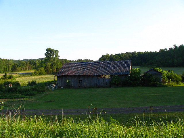A barn from the other side.