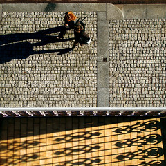 Corso Garibaldi (kenyai) Tags: street people milan donna shadows milano ombre garibaldi balcone corsogaribaldi interestingness15 i500 capellirossi top20street top20in