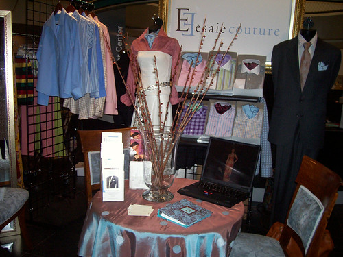 Esaie Couture at v bas trade pavillion