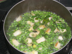 Leeks, potatoes, peas, mint and stock