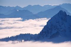 Winter landscape (boleroplus) Tags: horizontal alpes hiver ombre neige nuage paysage allemagne brouillard contrejour cabane diapositive sommet crête bavière imagepoint scharling