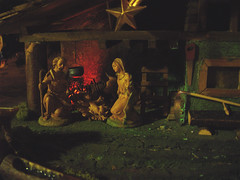 Krippe Weihnachten 06 / Christmas eve / Christmas stable / Crib with nativity figurines (Hellebardius) Tags: christmasmoments heiligabend christkind christkindl bescherungliechtenstein gemtlich comfortable cozy cosy friendly nice cozily homelike snugly unhurried unhurriedly apacible romantically romantisch heimelig weihnachten christmas xmas christfest kersfees christusfees wiehnacht navidat navidad crstesmsse navid nedeleg boi nadal vnoce julud joulu nol karcsony natale kaldos kerstmis jul grischtdaag boenarodzenie natal noel merrychristmas froheweihnachten feliznavidad buonnatale prejemevamveselevanoce godjul wesolychswiat joyeuxnoel zaligkerstfeest bonnadal gleilegjl weihnacht