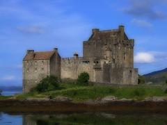 Eilean Donan Castle - by . SantiMB .