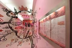 Omnia (entrée du restaurant) (@rno) Tags: pink art rose restaurant photo interesting explore lille photograpy omnia esquermoise interessare elinteresar interessieren 興味を起こさせること interessar