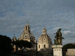 L'artista (mev80) Tags: roma foriimperiali altaredellapatria cupole